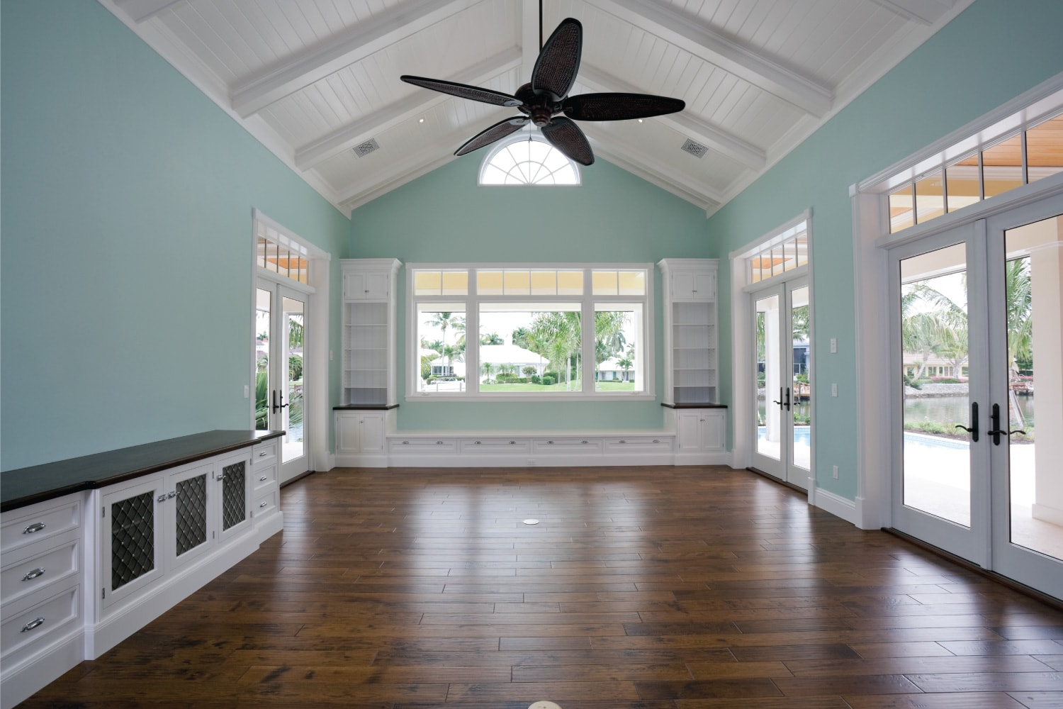 Beautiful den ready for you to decorate in this estate home