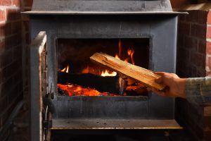 Read more about the article Should You Leave Ashes In A Wood Stove?