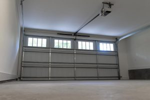 Read more about the article Should You Air Condition Your Garage? [Pros, Cons And How To]